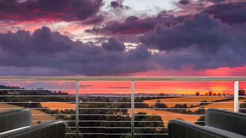 sunset 2 - by SnofflesMcwaffles